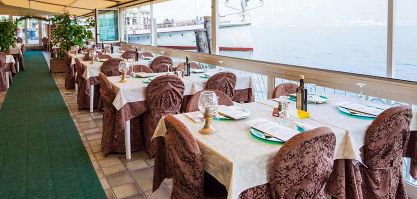 Hotel Le Palme, Limone, Lake Garda, Italy - le Palme restaurant Terrace.jpg